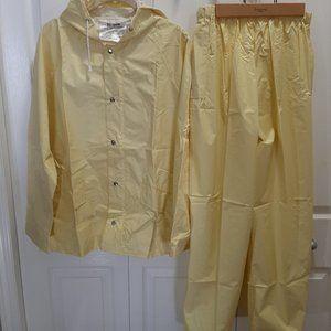 Ladies Rain Suit - Size M